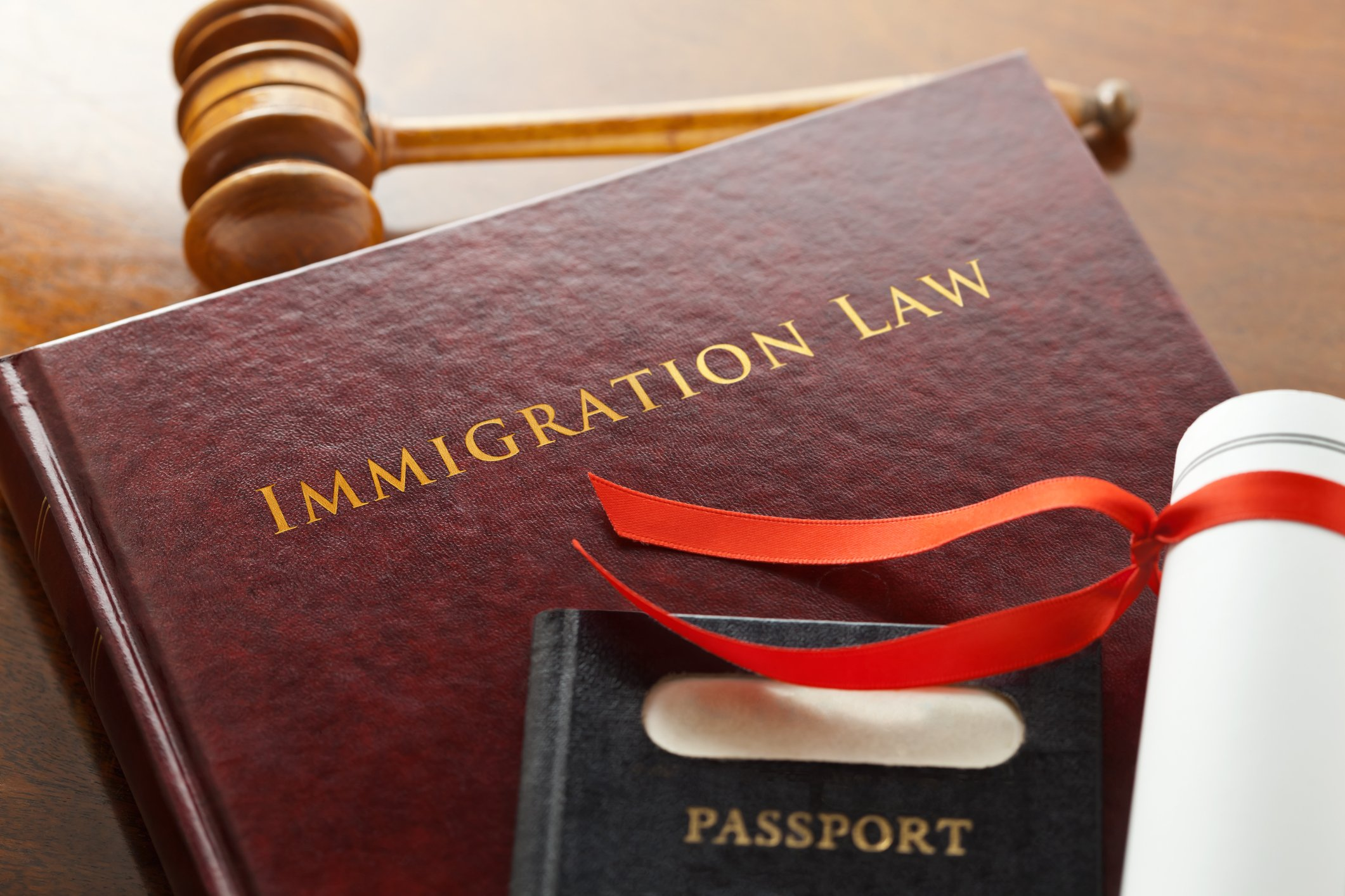 How to Choose the Right Immigration Lawyer